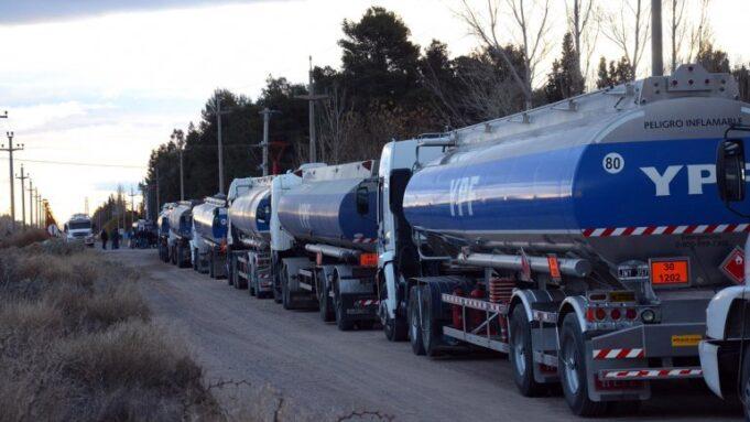 camiones refineria