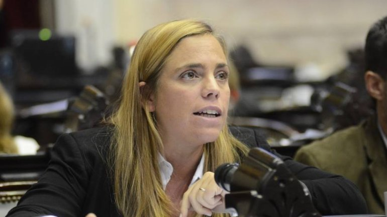 Catriel25Noticias.com soria-m-emilia1 Mirá cuánto cobraron los diputados rionegrinos por el canje de pasajes Destacadas NACIONALES NOTICIAS