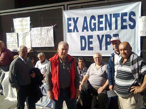 Catriel25Noticias.com ex-ypefianos-1 Luego de años de espera, ex Ypefianos cobrarán acciones Destacadas NACIONALES NOTICIAS