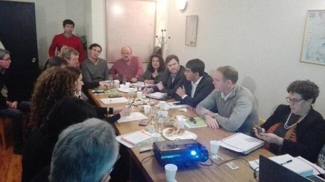 Catriel25Noticias.com petroleo-reunion-intendentes-648x363 Río Negro. Analizan cambios en coparticipación de hidrocarburos Destacadas NOTICIAS PROVINCIALES