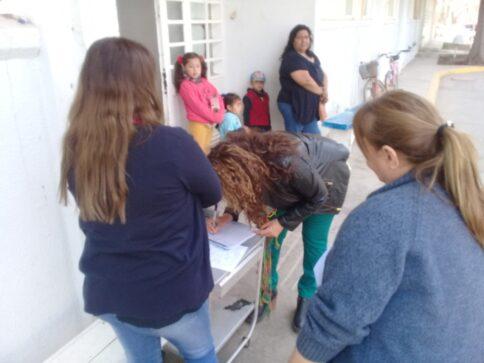 Catriel25Noticias.com hospital-firmas-484x363 Catriel. Abrazo al hospital en defensa de la salud pública Destacadas LOCALES