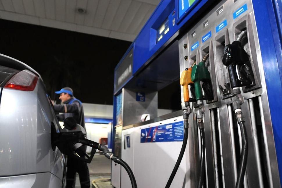 Mayo vendrá con un nuevo aumento en las naftas