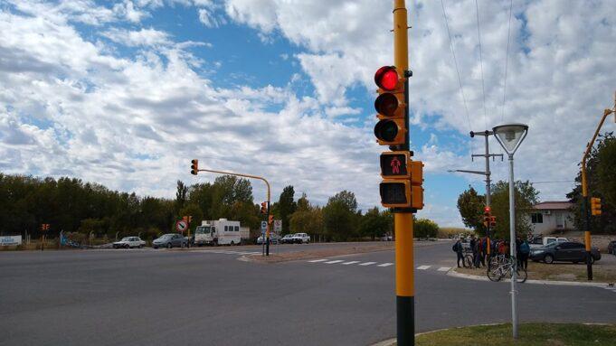 25 semaforos1