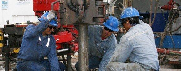 petroleros trabajadores - Catriel25Noticias.com