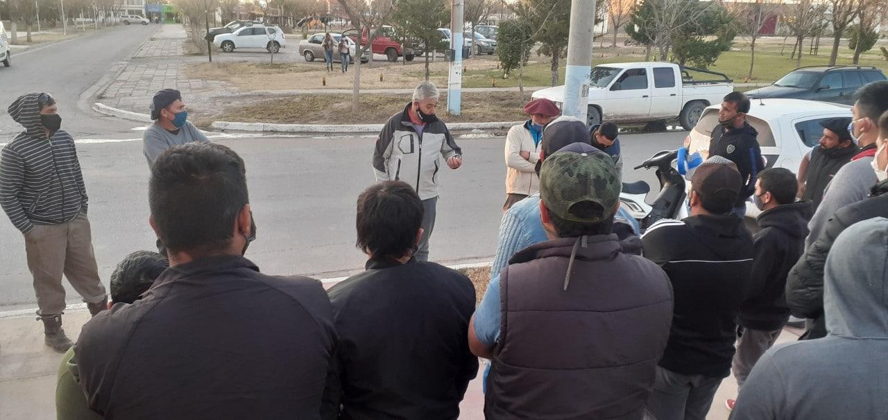 desocupados 25 1 - Catriel25Noticias.com