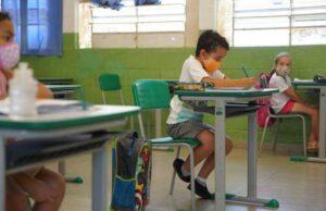 escuelas barbijos 1 - Catriel25Noticias.com
