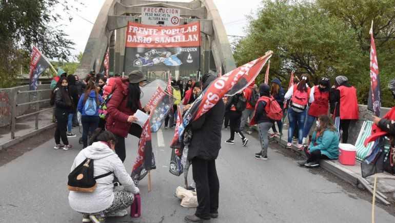Organizaciones sociales cortarán los puentes carreteros hasta el jueves santo