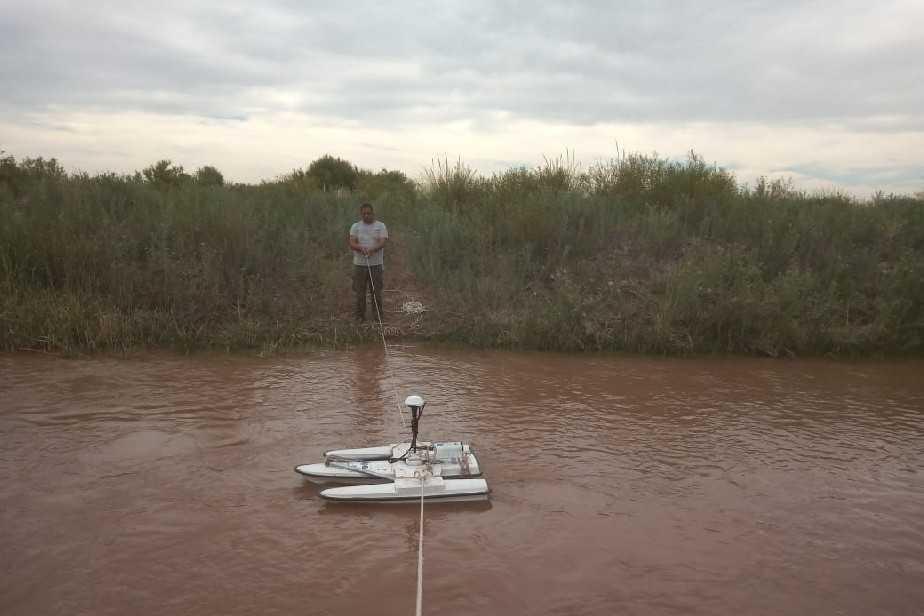 El DPA realiza tareas de precisión en la cuenca del río Colorado y en sistemas de riego de Catriel
