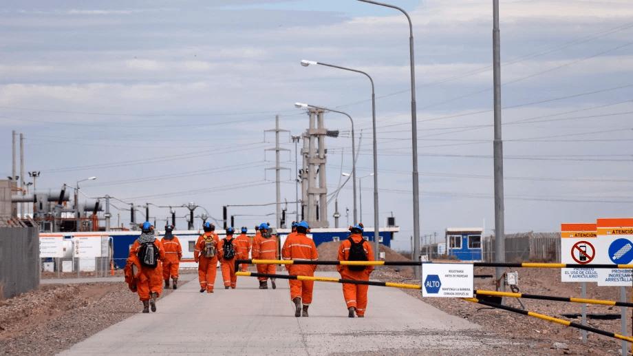 petroleros trabajadores1 - Catriel25Noticias.com