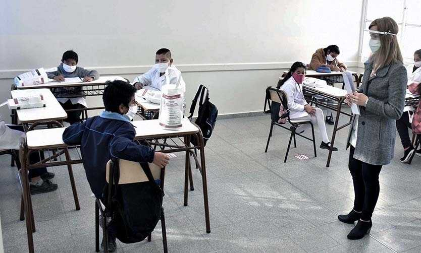 """Vuelven las clases en Río Negro. Unter pidió """"Presencialidad cuidada"""""""