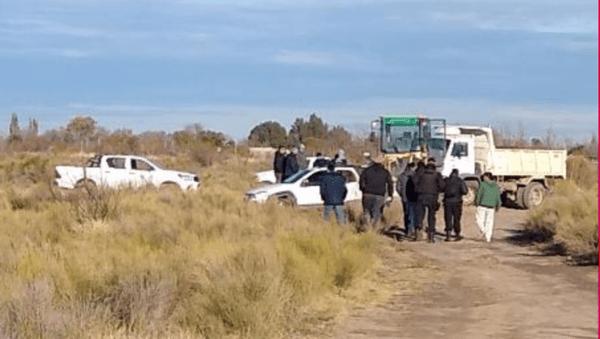 Catriel: por una órden judicial desalojan a vecinos que ocupan terrenos cerca del Río Colorado