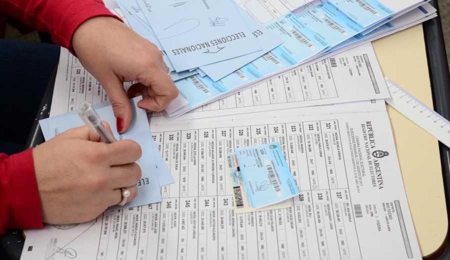 PASO y elecciones: cuánto van a cobrar las autoridades de mesa