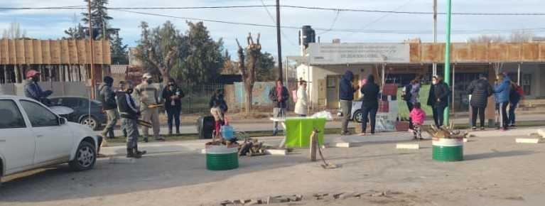 """Familias desalojadas reclaman en el Municipio-""""Hoy comienza nuestra lucha, queremos respuestas"""""""